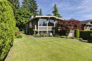 Photo 36: 1052 HABGOOD Street: White Rock House for sale (South Surrey White Rock)  : MLS®# R2470077