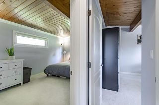 Photo 17: 1052 HABGOOD Street: White Rock House for sale (South Surrey White Rock)  : MLS®# R2470077