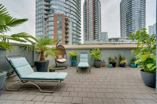 """Photo 2: TH17 63 KEEFER Place in Vancouver: Downtown VW Townhouse for sale in """"THE EUROPA"""" (Vancouver West)  : MLS®# R2470424"""