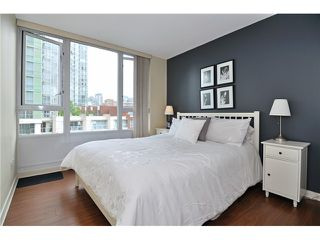 "Photo 6: 605 1067 MARINASIDE Crescent in Vancouver: Yaletown Condo for sale in ""QUAYWEST II"" (Vancouver West)  : MLS®# V955642"