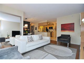 "Photo 2: 605 1067 MARINASIDE Crescent in Vancouver: Yaletown Condo for sale in ""QUAYWEST II"" (Vancouver West)  : MLS®# V955642"
