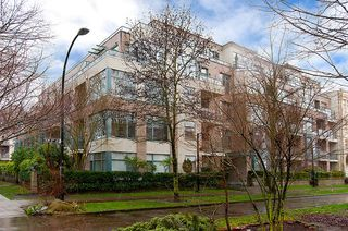 "Main Photo: 403 2028 W 11TH Avenue in Vancouver: Kitsilano Condo for sale in ""THE MAPLES"" (Vancouver West)  : MLS®# V993792"