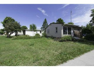 Photo 2: 683 Keewatin Street in WINNIPEG: Maples / Tyndall Park Residential for sale (North West Winnipeg)  : MLS®# 1317251