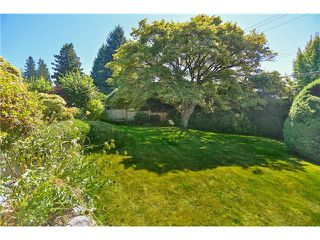"Photo 20: 2095 MATHERS Avenue in West Vancouver: Ambleside House for sale in ""AMBLESIDE"" : MLS®# V1078754"