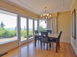"Photo 13: 2095 MATHERS Avenue in West Vancouver: Ambleside House for sale in ""AMBLESIDE"" : MLS®# V1078754"