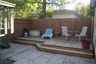Photo 2: 681 Patricia Avenue in Winnipeg: Fort Richmond Single Family Detached for sale (South Winnipeg)  : MLS®# 1423786