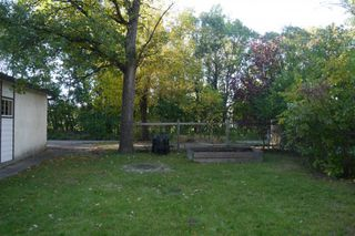 Photo 4: 681 Patricia Avenue in Winnipeg: Fort Richmond Single Family Detached for sale (South Winnipeg)  : MLS®# 1423786
