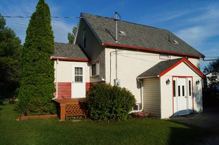 Photo 2: 637 Jaffray Street in Dugald: Single Family Detached for sale : MLS®# 1522228