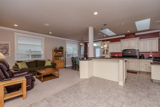 Photo 10: 8499 FENNELL STREET in Mission: Mission BC House for sale : MLS®# R2031857