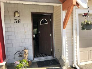 "Photo 2: 36 1821 WILLOW Crescent in Squamish: Garibaldi Estates Townhouse for sale in ""WILLOW VILLAGE"" : MLS®# R2408491"