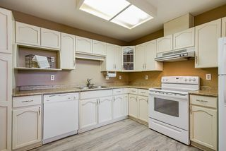 Photo 2: 305 19645 64 AVENUE in Langley: Willoughby Heights Condo for sale : MLS®# R2398331