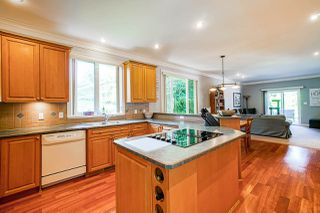 """Photo 4: 1575 BREARLEY Street: White Rock House for sale in """"Centennial Park"""" (South Surrey White Rock)  : MLS®# R2477312"""