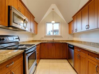 Photo 7: 410 663 Goldstream Ave in : La Fairway Condo for sale (Langford)  : MLS®# 861902