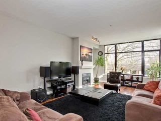 "Photo 3: 310 2028 W 11TH Avenue in Vancouver: Kitsilano Condo for sale in ""THE MAPLES"" (Vancouver West)  : MLS®# V933934"