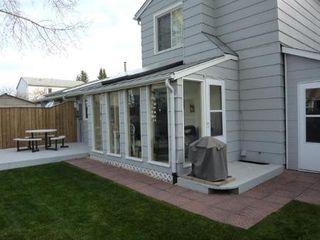 Photo 2: 98 GREENSBORO SQ in Winnipeg: Residential for sale (Canada)  : MLS®# 1103107