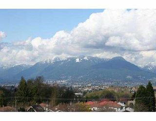 Photo 7: 303 4590 EARLES ST in Vancouver: Collingwood Vancouver East Condo for sale (Vancouver East)  : MLS®# V585844