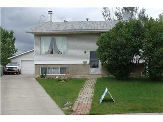 Photo 2: 60 ABBERCOVE Way SE in CALGARY: Abbeydale Residential Detached Single Family for sale (Calgary)  : MLS®# C3532149