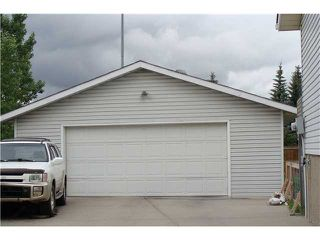 Photo 17: 60 ABBERCOVE Way SE in CALGARY: Abbeydale Residential Detached Single Family for sale (Calgary)  : MLS®# C3532149