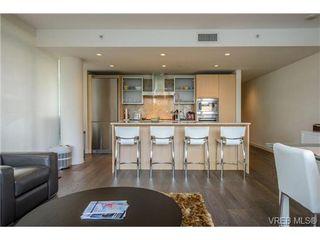 Photo 2: 404 707 Courtney Street in VICTORIA: Vi Downtown Condo Apartment for sale (Victoria)  : MLS®# 324911