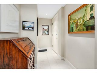 "Photo 3: 210 2520 MANITOBA Street in Vancouver: Mount Pleasant VW Condo for sale in ""THE VUE"" (Vancouver West)  : MLS®# V1076626"