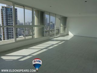Photo 6: New Loft in 200 Luxor Tower