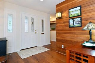 Photo 2: 16031 10th Avenue in Surrey: King George Corridor House for sale (South Surrey White Rock)  : MLS®# R2034064