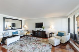Photo 2: 327 666 LEG IN BOOT SQUARE in Vancouver: False Creek Townhouse for sale (Vancouver West)  : MLS®# R2067850