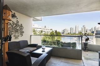 Photo 10: 327 666 LEG IN BOOT SQUARE in Vancouver: False Creek Townhouse for sale (Vancouver West)  : MLS®# R2067850