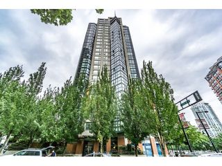 Photo 1: Vancouver West in Yaletown: Condo for sale : MLS®# R2073566