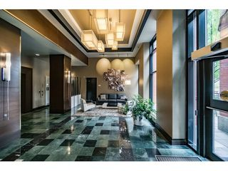 Photo 2: Vancouver West in Yaletown: Condo for sale : MLS®# R2073566