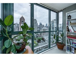 Photo 12: Vancouver West in Yaletown: Condo for sale : MLS®# R2073566