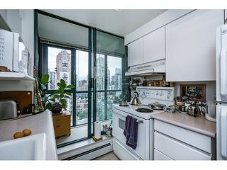 Photo 11: Vancouver West in Yaletown: Condo for sale : MLS®# R2073566