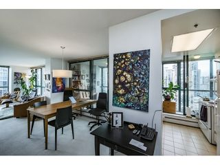 Photo 10: Vancouver West in Yaletown: Condo for sale : MLS®# R2073566