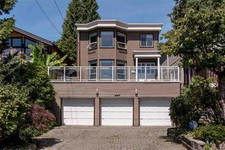 Photo 1: 138 W Windsor Road in North Vancouver: Upper Lonsdale House for sale : MLS®# R2107755