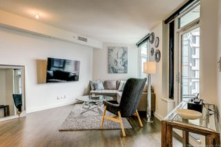 Photo 2: 68 Smithe in : Yaletown Condo for lease (Vancouver)