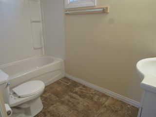 Photo 6: 9301 Morinville Drive in Morinville: Townhouse for rent