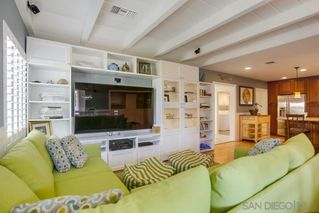 Photo 6: PACIFIC BEACH House for sale : 3 bedrooms : 1050 Chalcedony St in San Diego