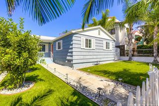 Photo 2: PACIFIC BEACH House for sale : 3 bedrooms : 1050 Chalcedony St in San Diego