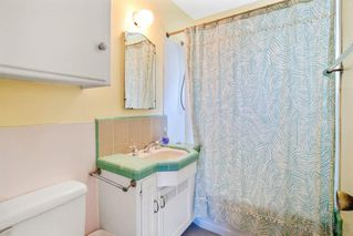 Photo 5: PACIFIC BEACH House for sale : 2 bedrooms : 5137 Mission Blvd in San Diego