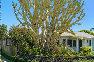 Photo 3: PACIFIC BEACH House for sale : 2 bedrooms : 5137 Mission Blvd in San Diego