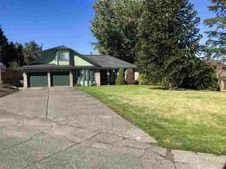 """Photo 1: 15043 75 Avenue in Surrey: East Newton House for sale in """"CHIMNEY HILL"""" : MLS®# R2503697"""