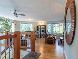 Photo 2: 1092 Vic Pl in : CS Brentwood Bay House for sale (Central Saanich)  : MLS®# 858387