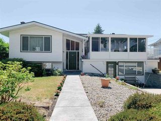 Main Photo: 5755 DOLPHIN Street in Sechelt: Sechelt District House for sale (Sunshine Coast)  : MLS®# R2517439