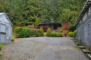 Photo 2: 2408 SUNSHINE COAST Highway: Roberts Creek House for sale (Sunshine Coast)  : MLS®# V993754