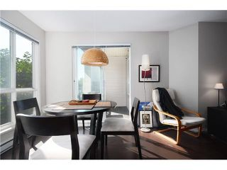Photo 7: # 306 8495 JELLICOE ST in Vancouver: Fraserview VE Condo for sale (Vancouver East)  : MLS®# V1026912