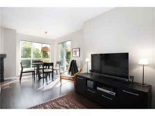 Photo 6: # 306 8495 JELLICOE ST in Vancouver: Fraserview VE Condo for sale (Vancouver East)  : MLS®# V1026912