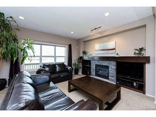 Photo 3: 1562 Concordia Avenue in WINNIPEG: North Kildonan Residential for sale (North East Winnipeg)  : MLS®# 1421438