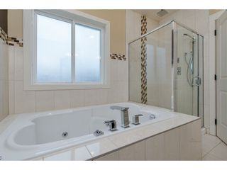 Photo 16: 27943 FRASER HIGHWAY in Abbotsford: Aberdeen House for sale : MLS®# R2136976