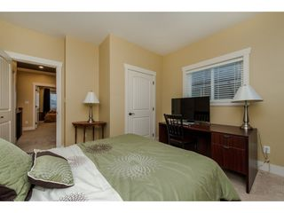 Photo 18: 27943 FRASER HIGHWAY in Abbotsford: Aberdeen House for sale : MLS®# R2136976