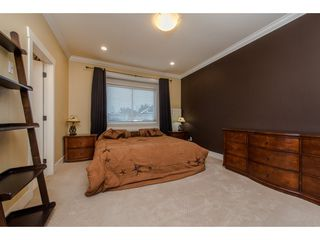 Photo 14: 27943 FRASER HIGHWAY in Abbotsford: Aberdeen House for sale : MLS®# R2136976